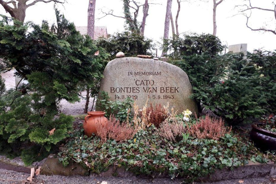 Grab von Cato Bontjes van Beek in Fischerhude 2021