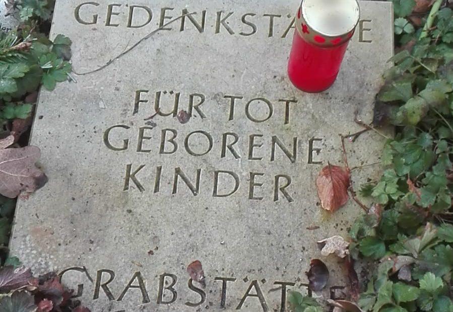 Gedekstätten für Sternenkinder. Lübeck